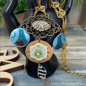 ✨Adorned Crown blue assembled rhinestone necklace
